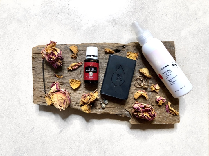5 natural skincare products to incorporate in your dailyroutine